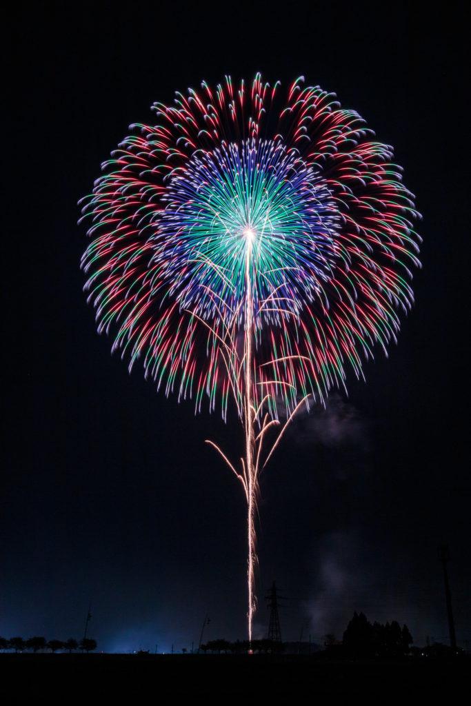 """<span class=""""title"""">【画像・動画】24時間テレビの野球ボール型の花火が見えなかった!どれか調査!</span>"""